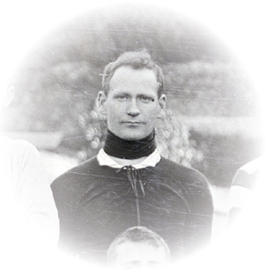 Tot Cairns, 1909.
